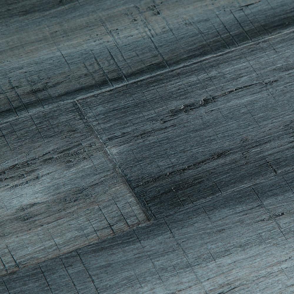 15180614-blue-jeans-comp