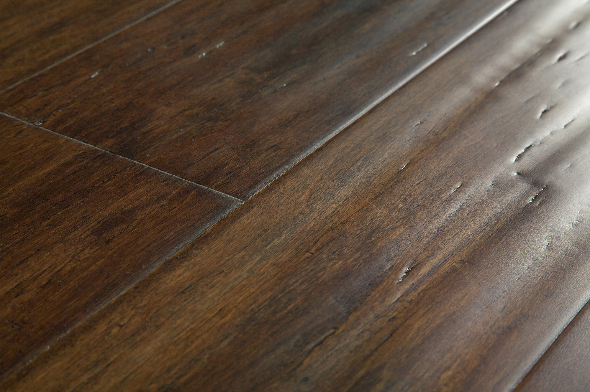 Yanchi 14mm Wide-Plank T&G Solid Strand Woven Bamboo Flooring Distressed  Fairmont Brown