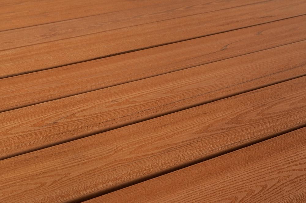 yakima-deck-veneer-comfort-plus-cedar-angle