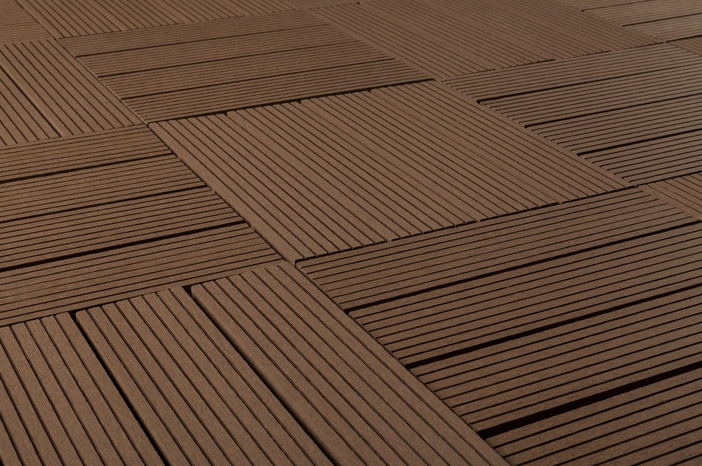 kontiki-basics-interlock-deck-dark-brown-12x12-angle