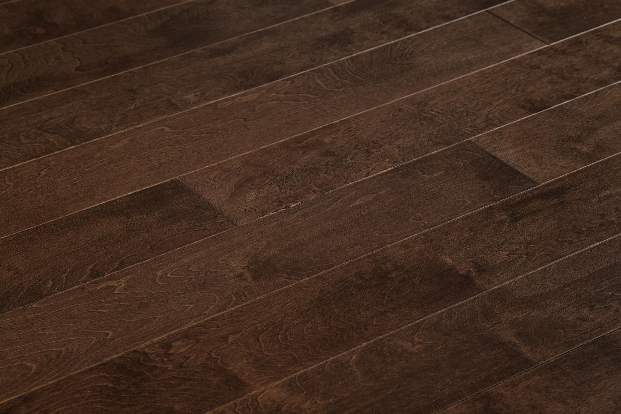 "Maple - Latte / 5"" / 1/2"" / Random Lengths Engineered Hardwood - Handscraped Maple Old West Collection 0"