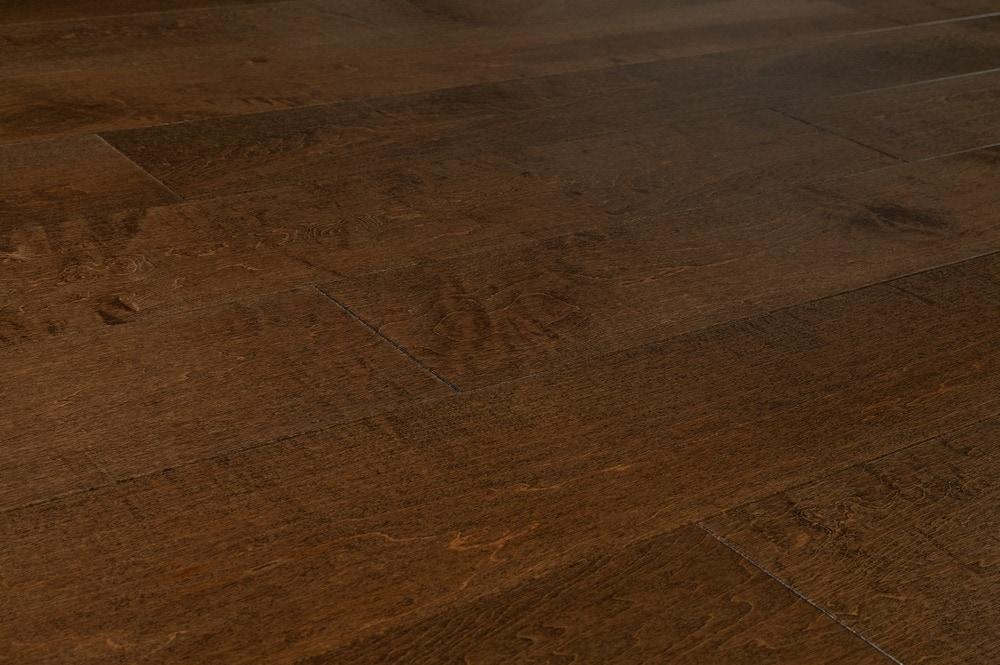 penta-maple-brown-angle
