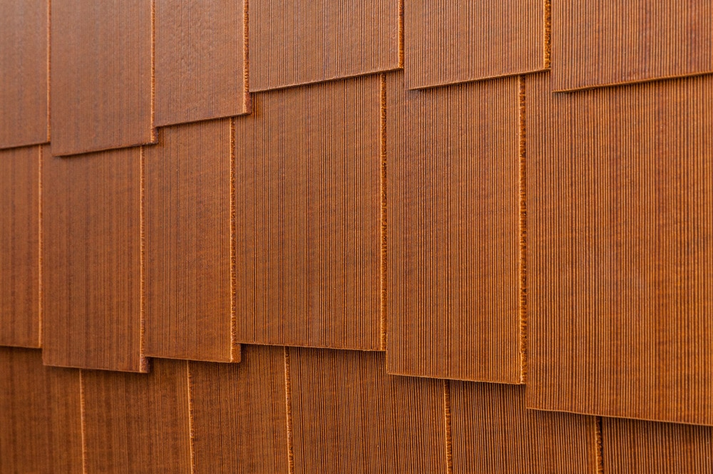 10099087-cerber-rustic-fcshingle-panel-combed-staggered-teak-angle