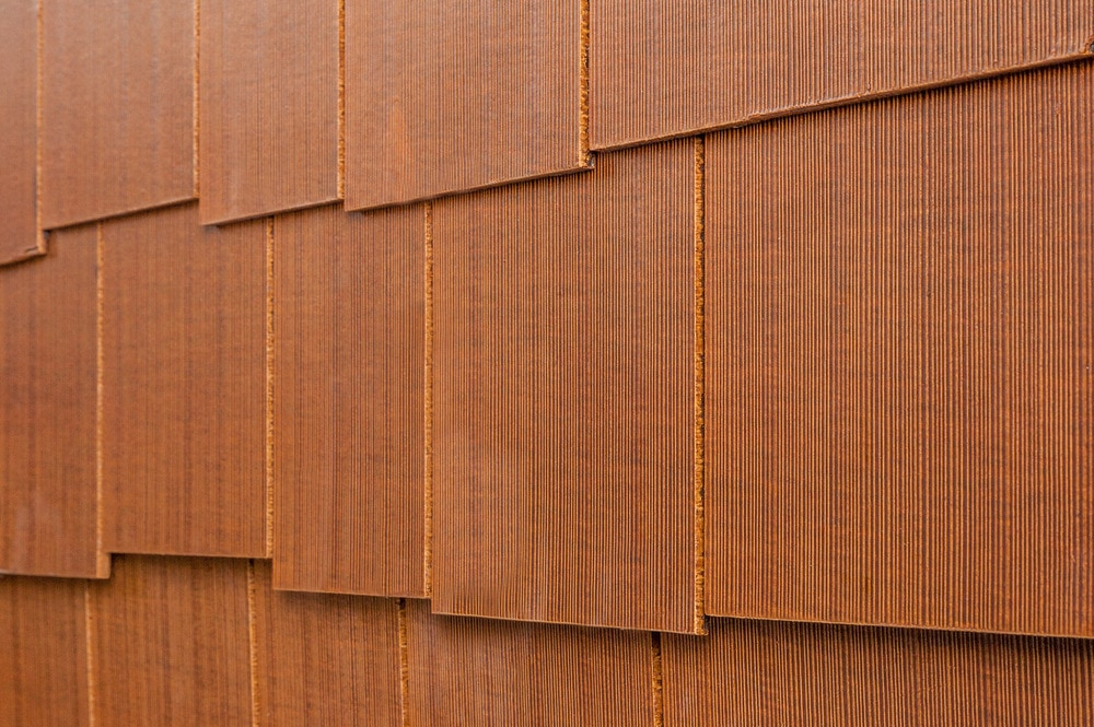 10099089-cerber-rustic-fcshingle-panel-combed-staggered-sequoia-angle