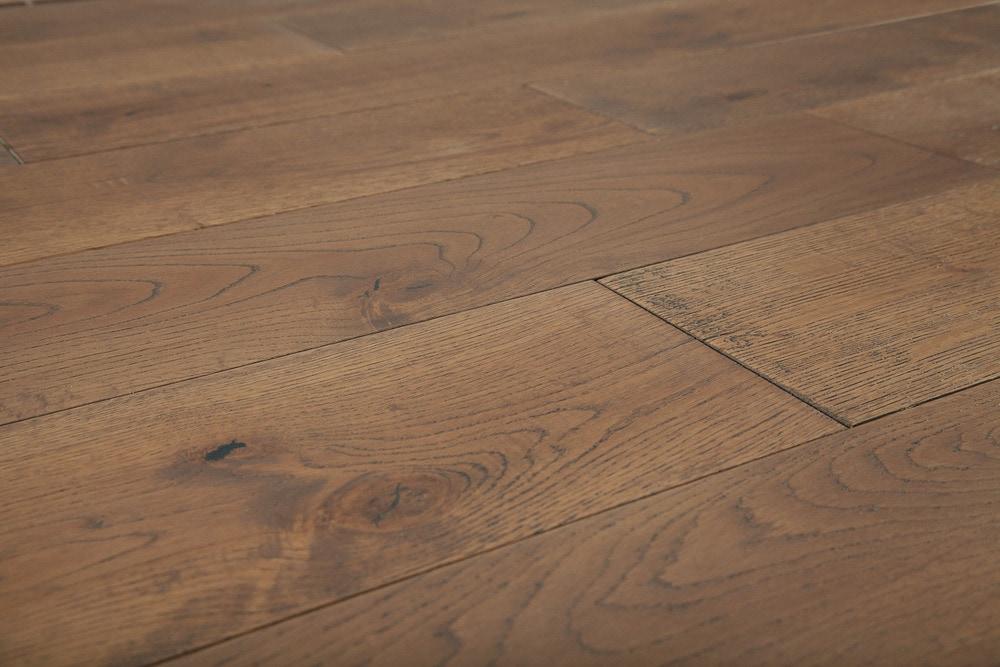 101014191-paramount-hardwood-plateau-angle