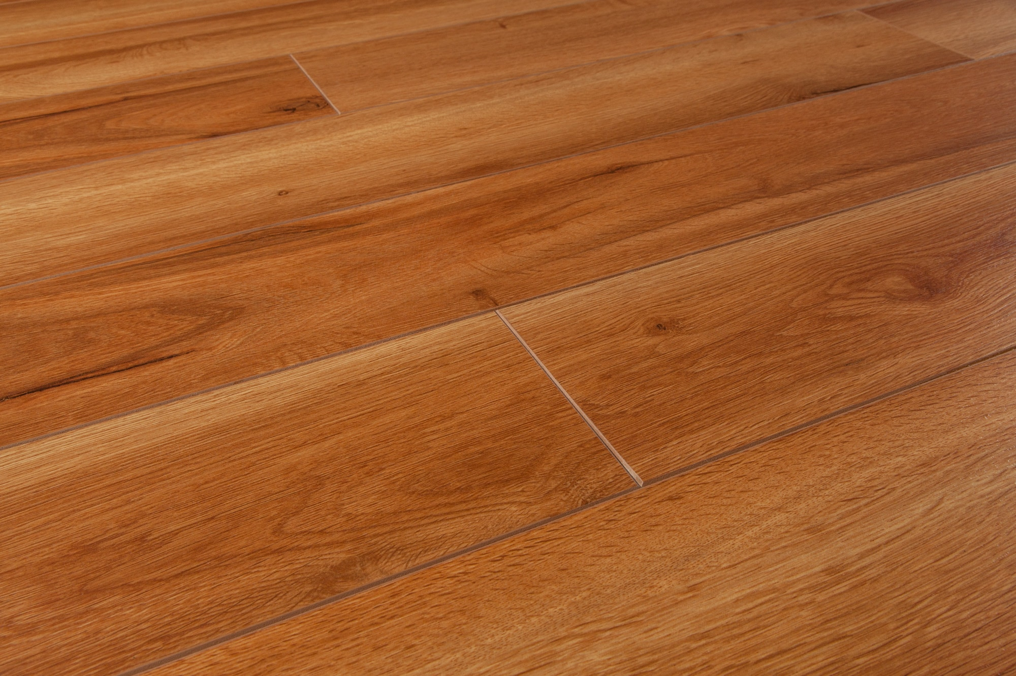 Laminat flooring carpet review for Laminate flooring company