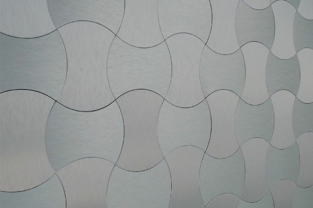 10104372-silver-wave-pattern-new-sup-angle