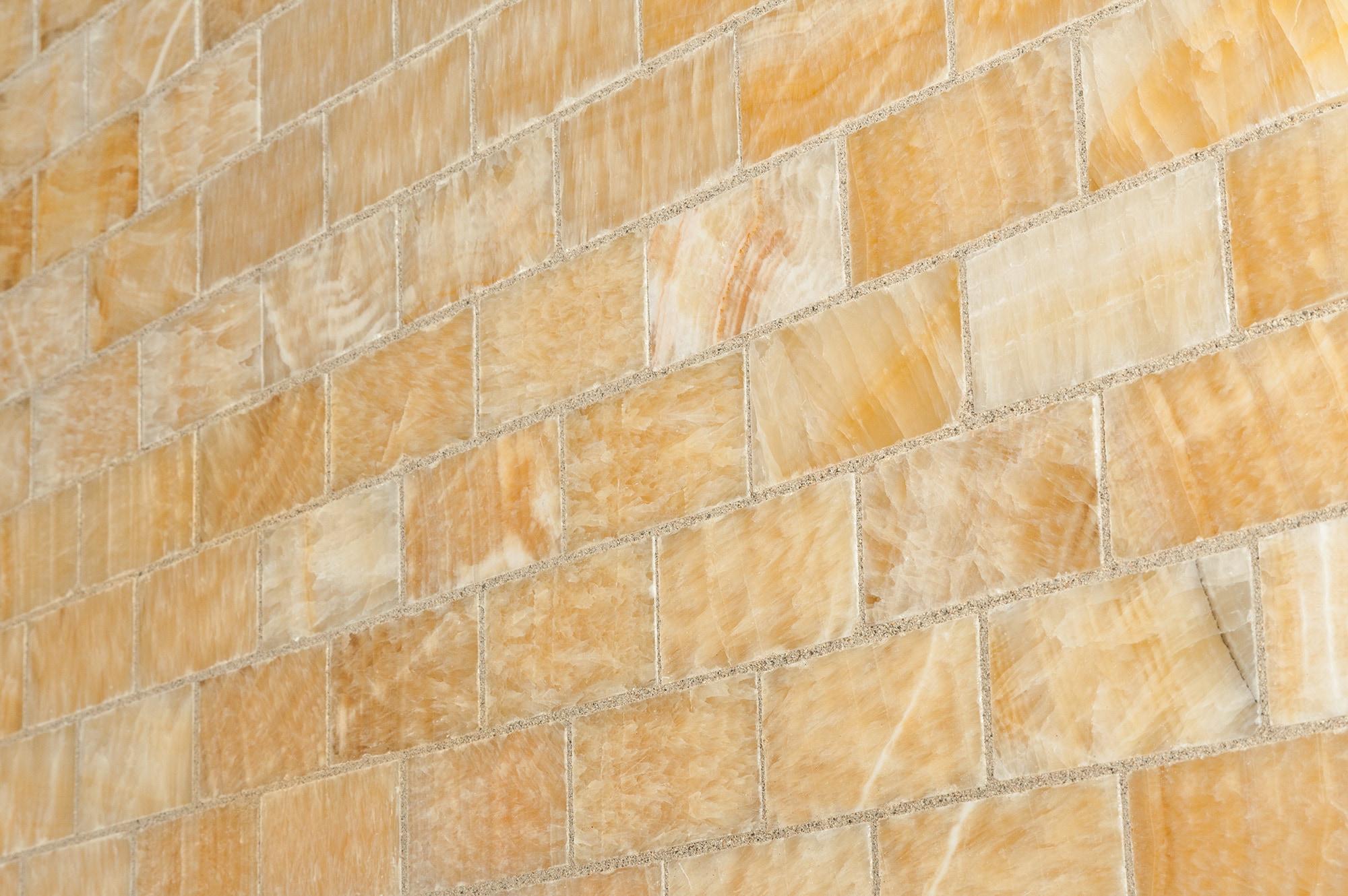 Cabot onyx mosaic onyx series honey onyx subway 2x4 polished dailygadgetfo Image collections