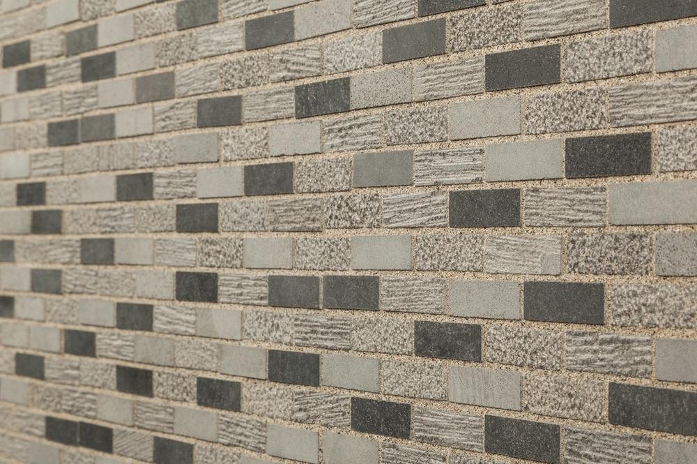 cabot-mosaic-stone-shale-2x5_8-angle
