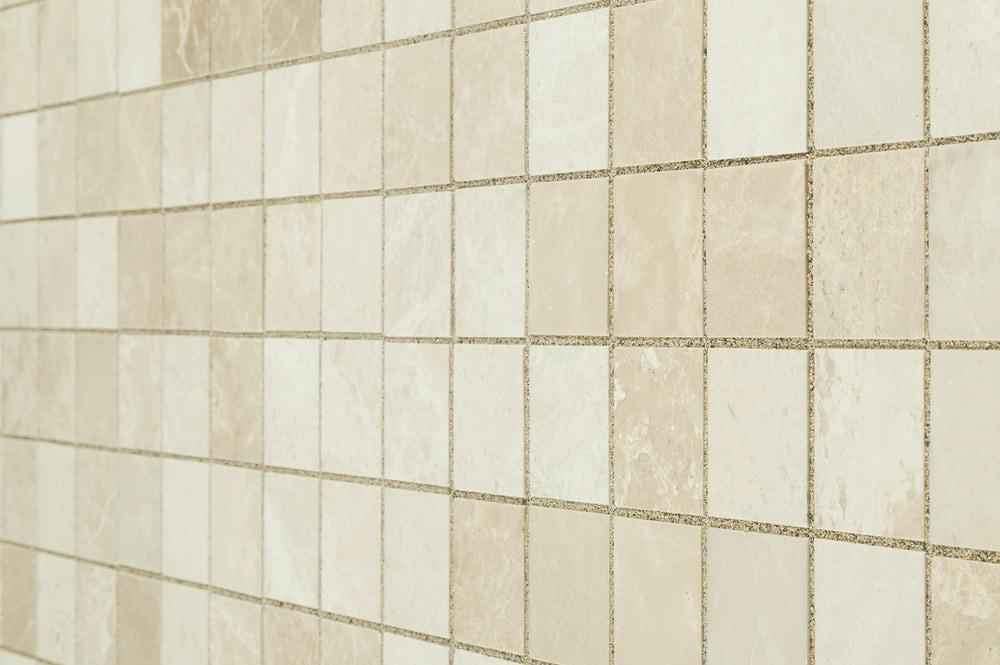 crema-marfil-beige-pol-2x2-angle