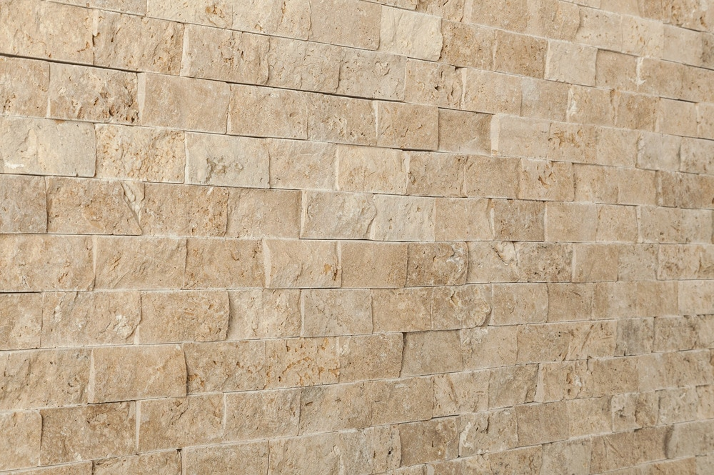 travertine-mosaic-noce-1x2-angle