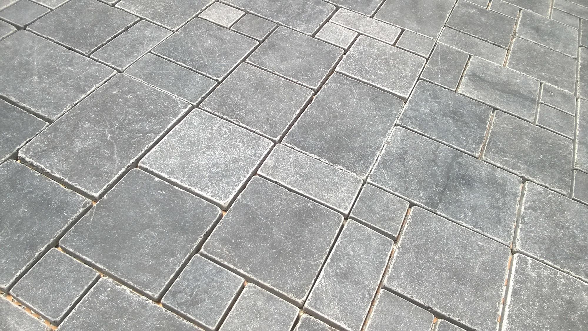 Pedra mosaic tile vina collection bluestone romano limestone pedra mosaic tile vina collection bluestone romano limestone french pattern honed dailygadgetfo Images
