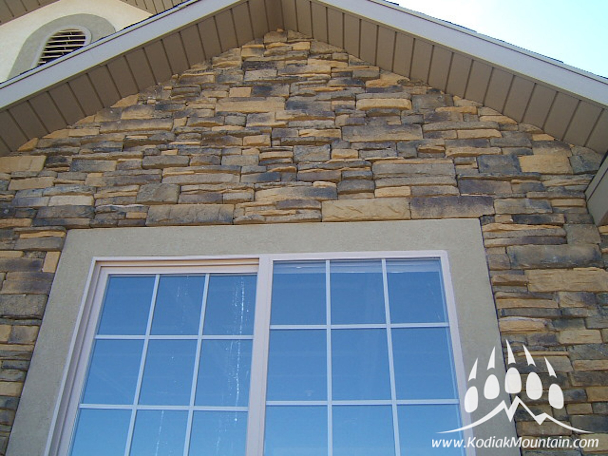 Kodiak Mountain Stone Manufactured Stone Veneer - Ready Stack Stone ...