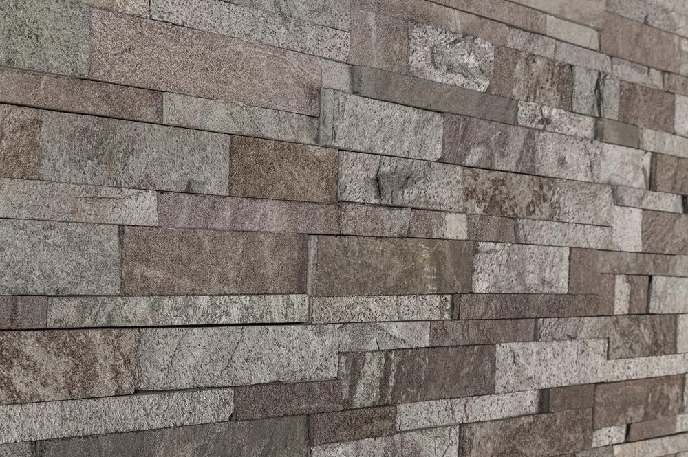 roterra-natural-ledgestone-quartzite-finish-slate-silver-coal-angle