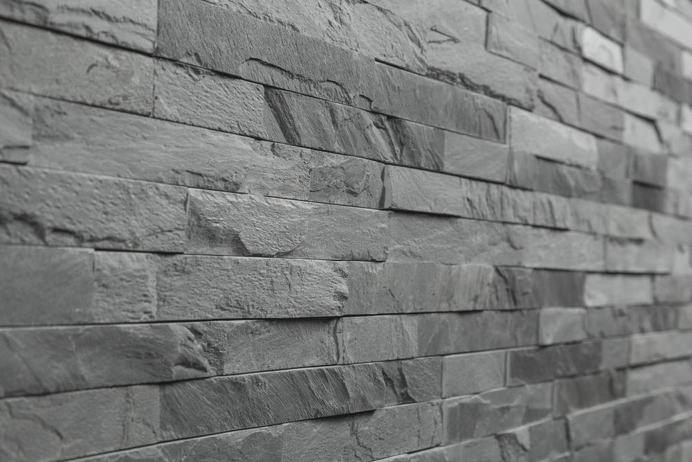10102006-black-slate-thin-stone-angle