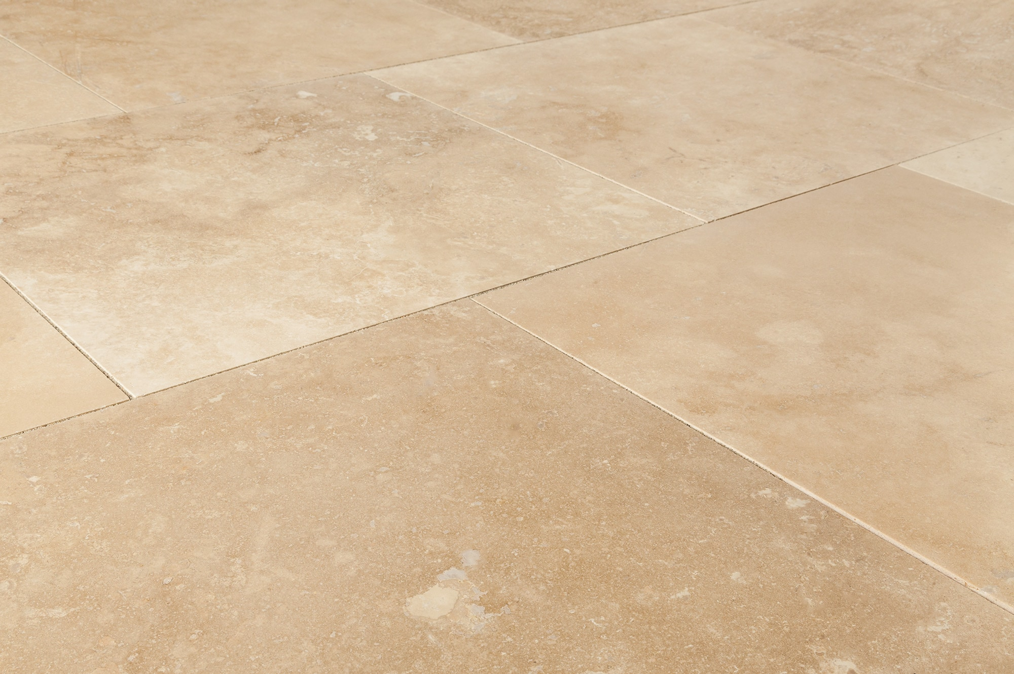 """Classic Medium Beige / 18""""x18""""x1/2"""" / Honed and Filled / Straight Edge Travertine Tile - Honed and Filled 0"""