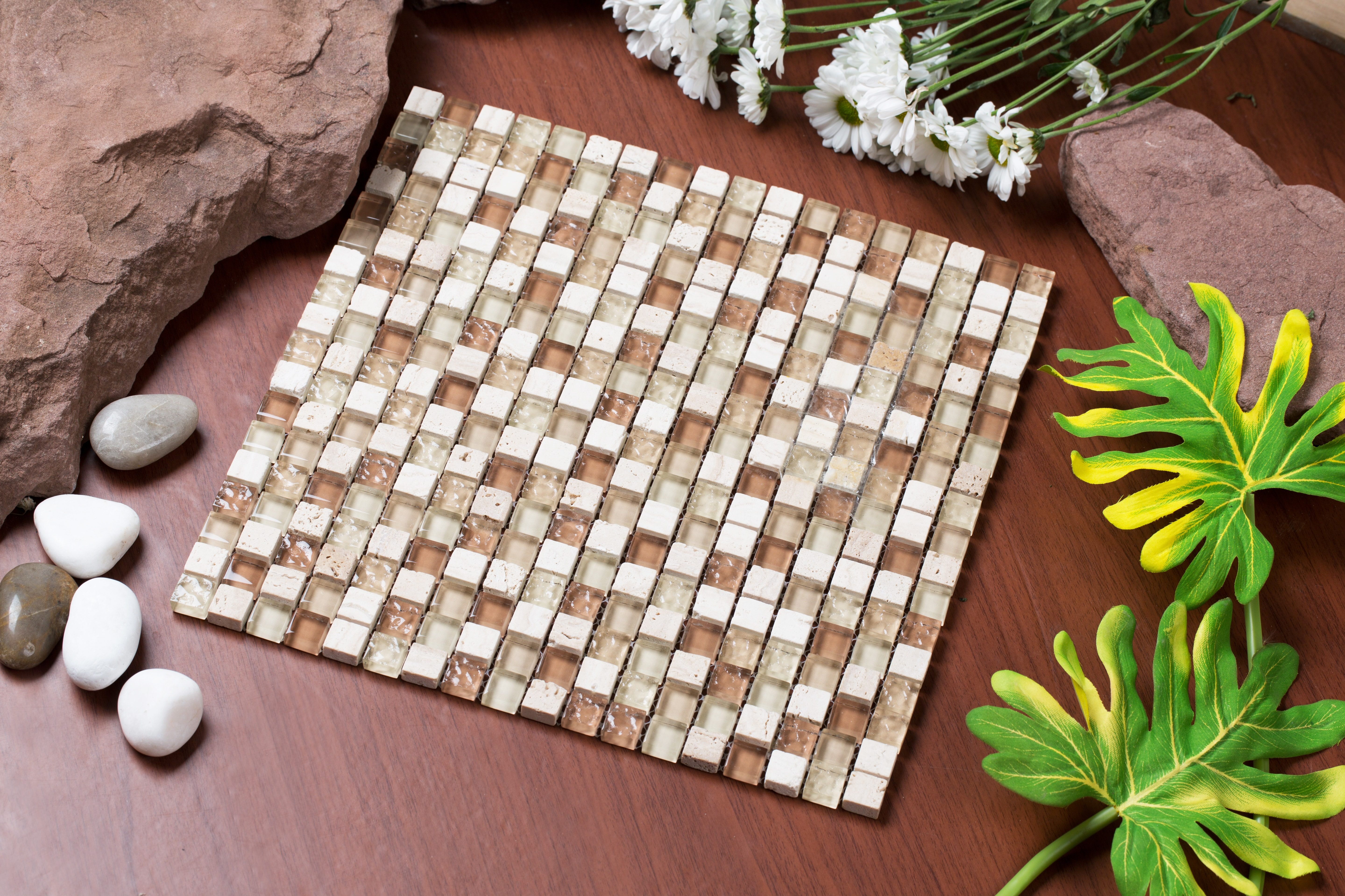 """Varying beige, brown, and tan iced glass with travertine stone / 0.5""""x0.5"""" Mesh Pess Series 0"""