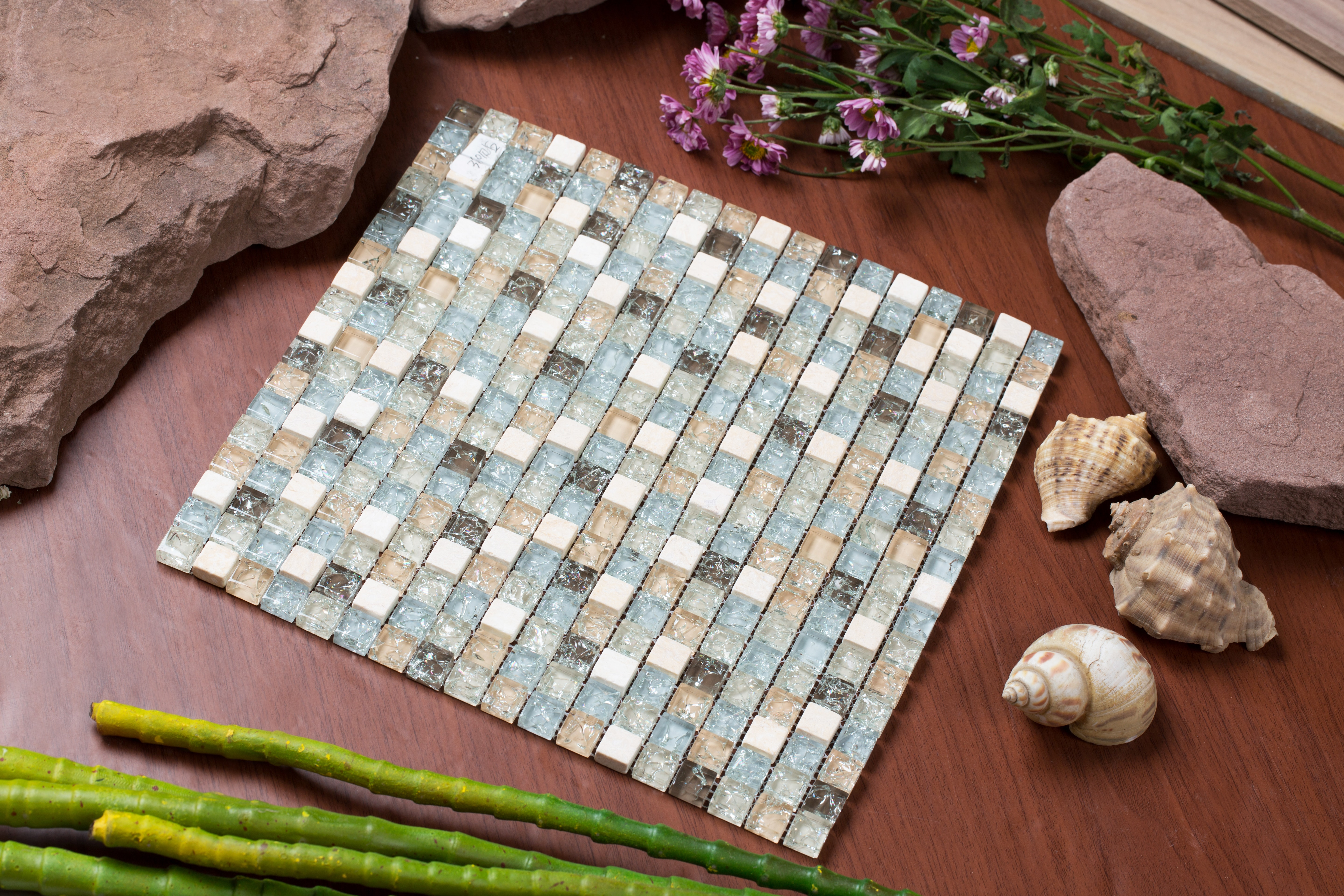 """Varying beige, brown, tan, and light gray iced glass with travertine stone / 0.5""""x0.5"""" Mesh Pess Series 0"""