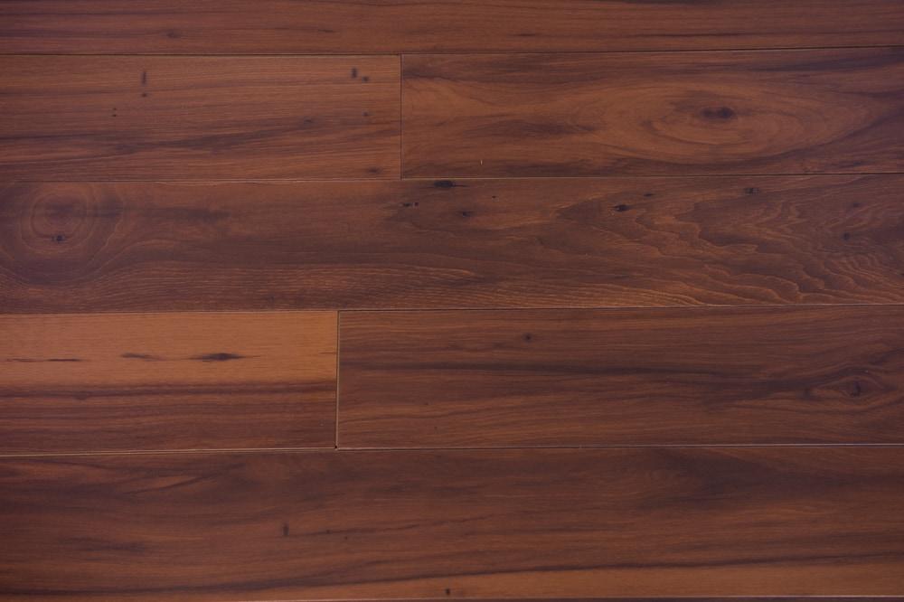 Lansfield Flooring Americana 5 Textured 12mm Low Gloss Beveled