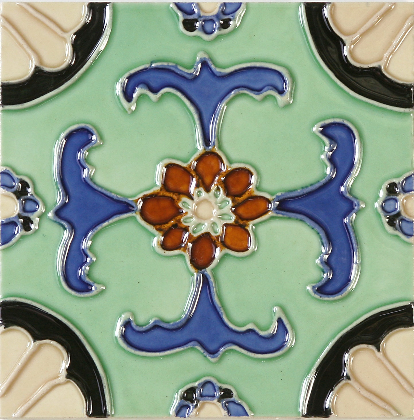 Hand-Painted Ceramic Glazed Wall Tile in Fuente Hand-Painted Ceramic Glazed Wall Tile in Fuente 0