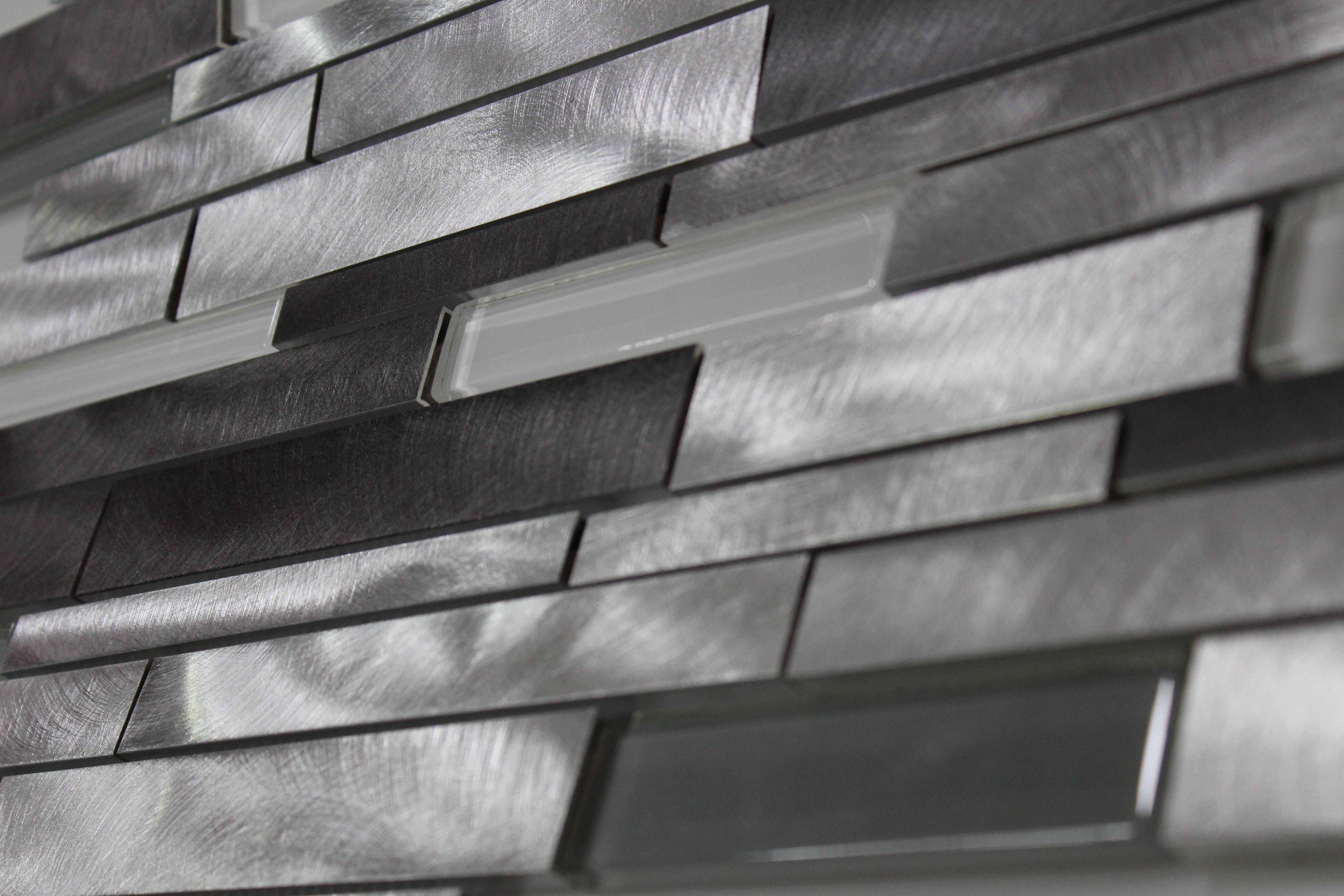 Glass Mosaic / 14 x 12 x 0.31 inches / Glossy Interlocking Random Sized Glass & Aluminum Mosaic Tile In Gray 0