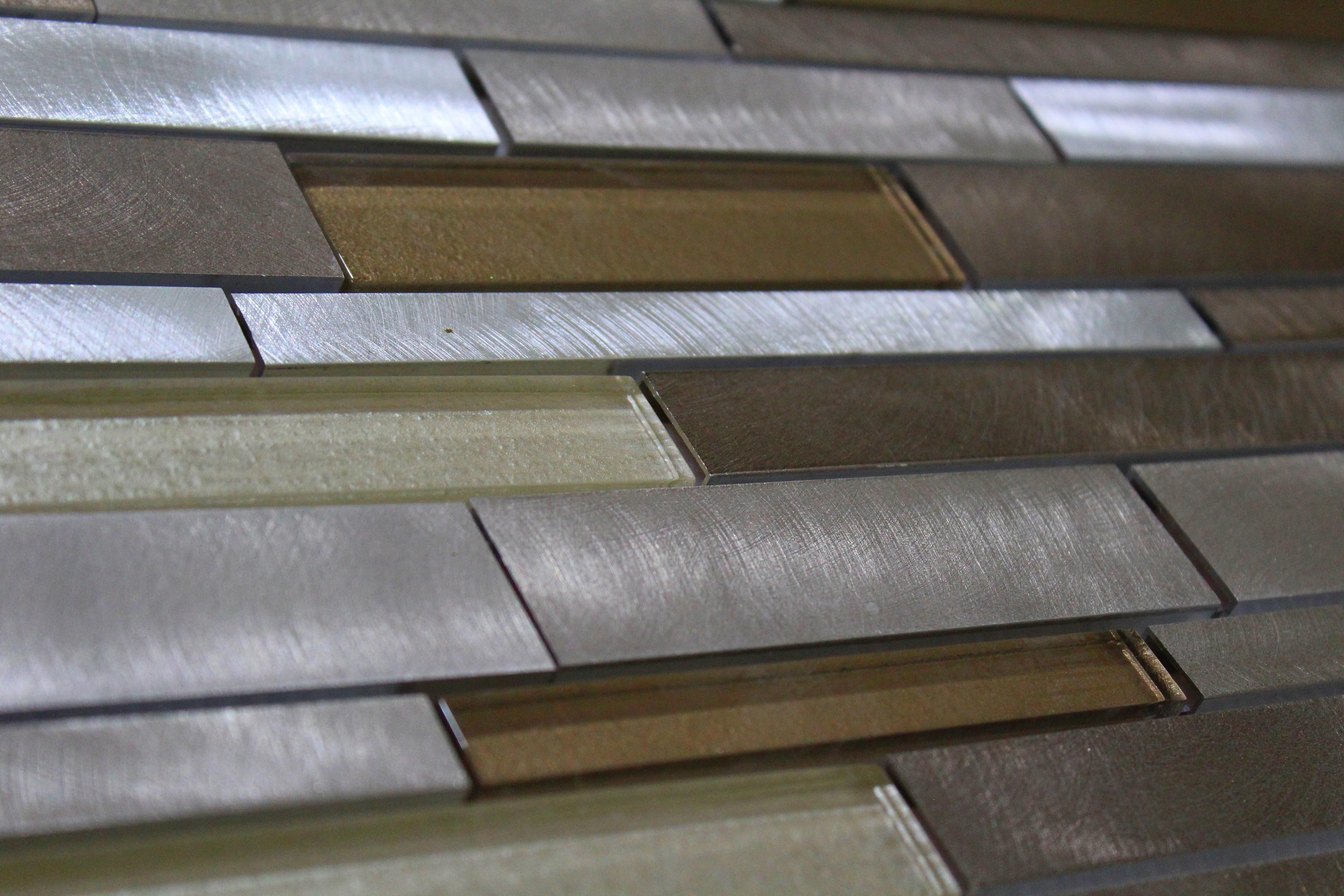 Glass Mosaic / 14 x 12 x 0.31 inches / Glossy Interlocking Random Sized Glass & Aluminum Mosaic Tile In Earth 0