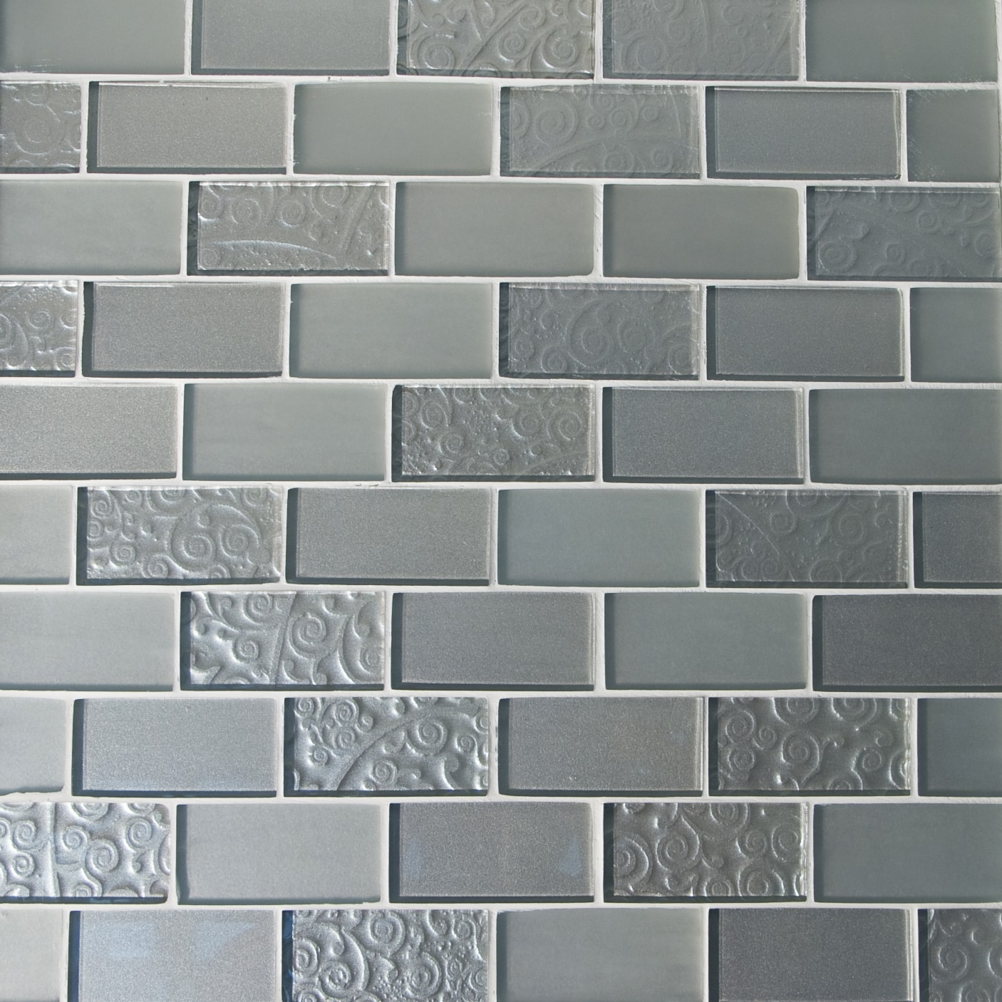 """Silver and Frosted / 2""""x4"""" Brick Pattern Glass Mosaics 0"""