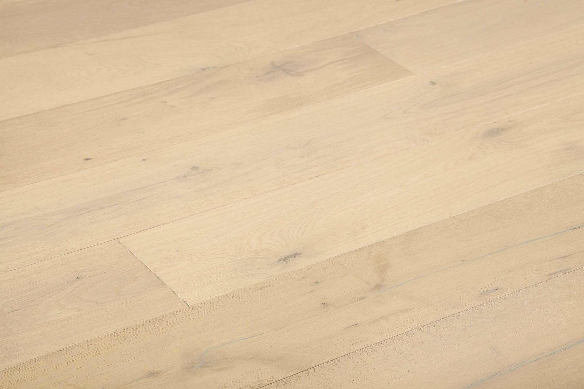 "Snow Mist / Oak / 7 1/2"" Engineered Hardwood - Artisan Brushed Oak Collection 0"
